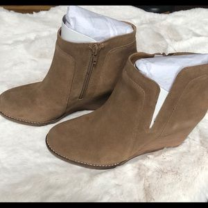 Lucky Brand Yabba Suede Wedge Booties Size 9.5